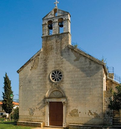 One of many beautiful old churches of Stari Grad is the Church of St. Nicholas, located right next to the cemetery.