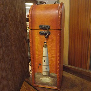NH - KINGSTON - CARRIAGETOWNE ANTIQUES – WOODEN BOX