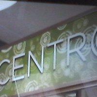 il nome del locale al interno, carino, pulito, veloci