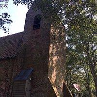 """toren met """"huuske"""" kerkje Oostum"""