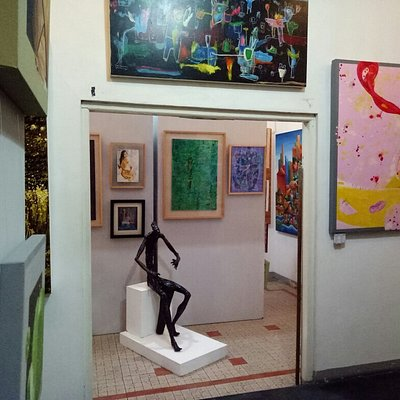 Lana Gallery