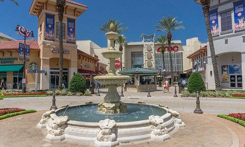 The Destin Commons fountain at Center Plaza.