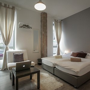 Spacious Deluxe private room with private bathroom.