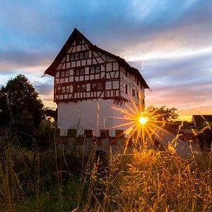 Sonnenuntergang im Museum Burg Zug.  Sunset at Museum Castle Zug.