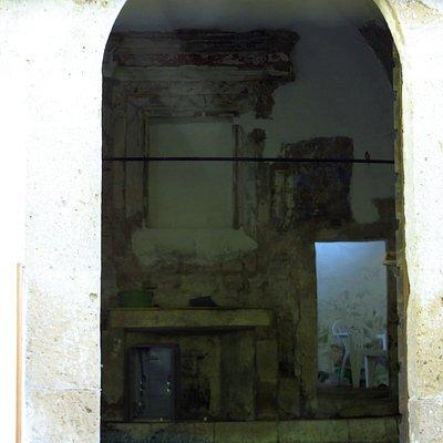 interno della chiesetta di San Sebastiano