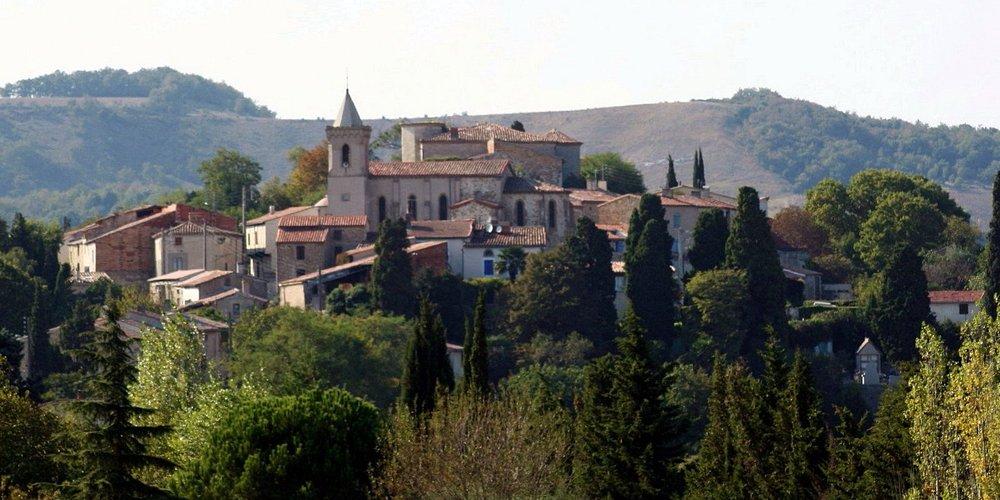 the village, Escueillens et St Just de Belengard