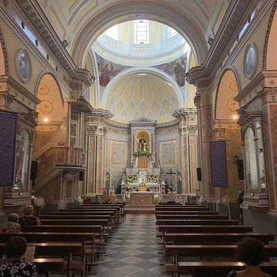 Bella chiesa, da visitare per un attimo di riflessione.