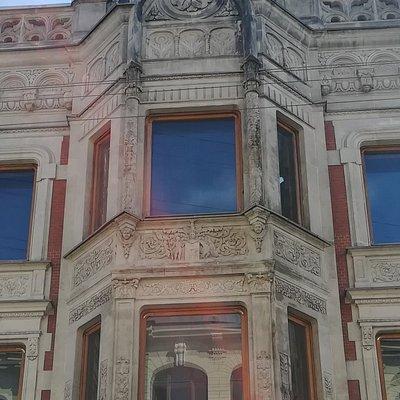 Особняк Н.В. Безобразовой, эркер, Моховая ул., 34, август.