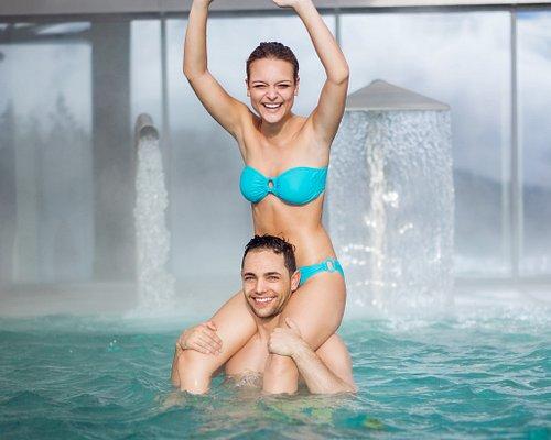 Spass und Fun - ob im Hallenbad, vielseitigen Wellnessbereich mit Blockhaussauna, Whirlpool und vielem mehr....
