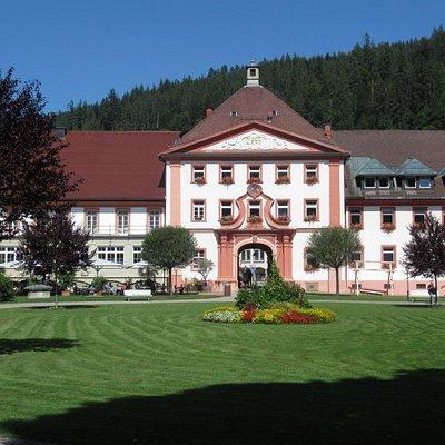Kreismuseum St.Blasien dans le même bâtiment que Tourist-Info (vue extérieure)