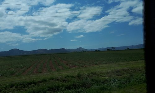 de belles grandes terres agricoles