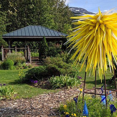 "Glass Sculptures are intermixed throughout the Garden. This is ""the North Star"" of our Alaska themed Garden bed."