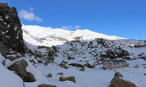 MEADS WALL (on the left) west side view with MT RUAPEHU in the back ground.