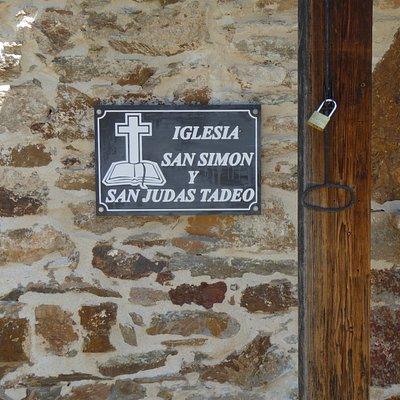 Iglesia de San Simón y San Judas Tadeo en Las Médulas, skylt