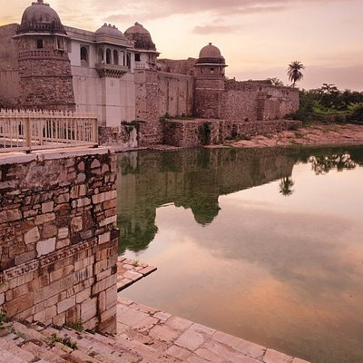 Jaisalmer Tourist Taxi
