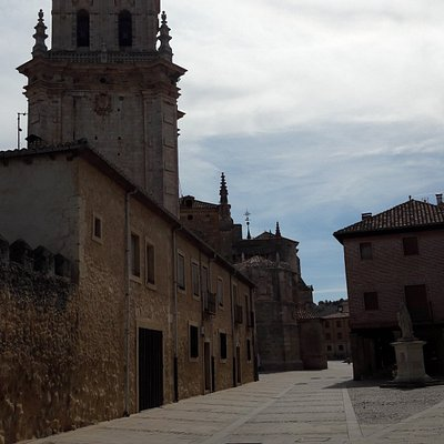 Murallas y Catedral