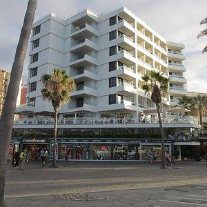 Fund Grube onder het H10 Tenerife Playa hotel