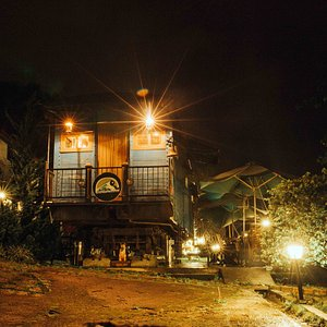 Train car/restaurant