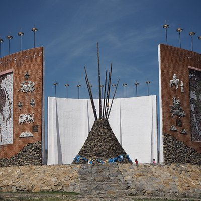 The Whole Picture of the Monument of Mongol States: A Modern Oboo is built in the middle of the monument.