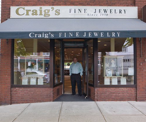 Craig's Fine Jewelry Store front with owner Billy Craig