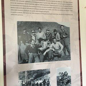 Foto di gruppo dei partigiani della 17a Brigata