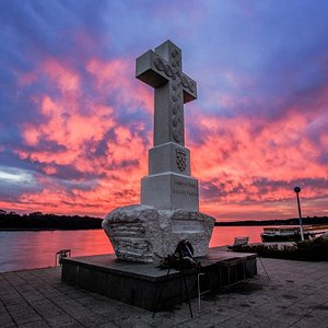 This huge cross was erected as a remembrance of all the fallen defenders in the Homeland war. It looks pretty impressive, doesn't it? They surely deserve it.