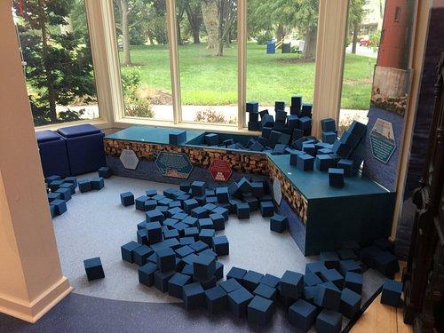 Children's section: How to make a breakwater using foam blocks
