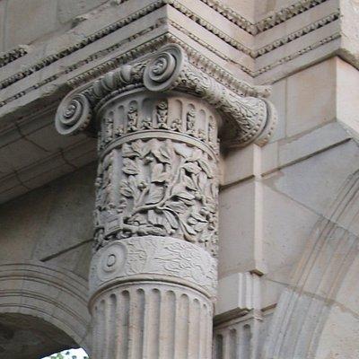 Les vestiges du palais : C'était la résidence des plus grands noms de France d'Henti IV à Napoléon 1er