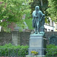 Bach-denkmal i Eisenach