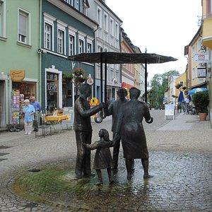 Statyn Figuren im Regen i Bad Brückenau