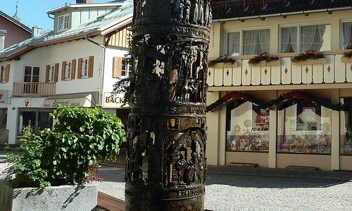 Bronze Brunnen i Oberammergau