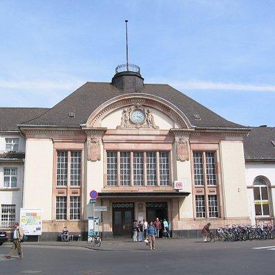Bahnhof Bad Nauheim - Ansicht von der Bahhofsallee