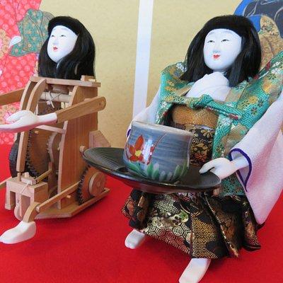 Tea serving Karakuri doll