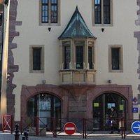 Office du tourisme à Thann (à côté de la collégiale)