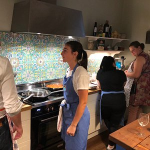 This place is a hidden gem, I am astonnished by the atmosphere here, it's like actually being in southern Italy, and preparing a meal with friends and family. The hostes Elise is amazing, and she is flying arround giving instructions on how to cook the meal. All my Best to Al Dente, this place is amazing!!!