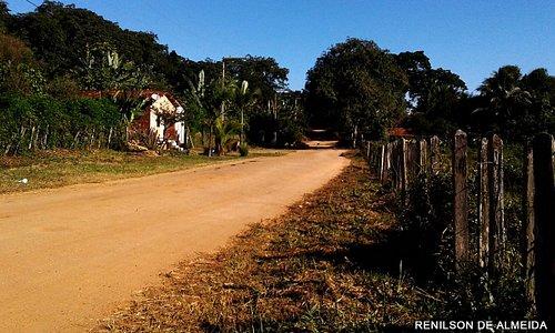 Estrada Principal que corta Tesourinha em direção ao Restaurante Engenho Bahia