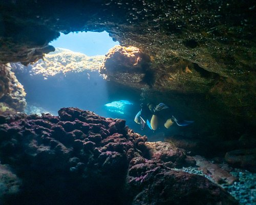 Tunnels and Caves, Cape Greko