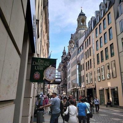 Kronsegler next to the Frauenkirche Dresden