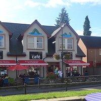 Cobb's cafe
