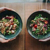 Pad thai salad + sirloin and shiitake