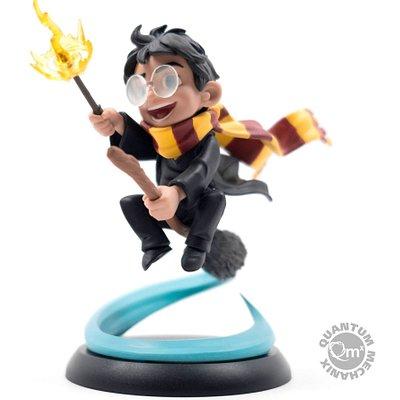 La tienda está llena de figuras y artículos de Harry Potter