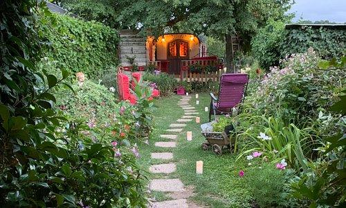 La Roulotte de Lola, un endroit magique et très accueillant à l'image des hôtes Lola et Jean.