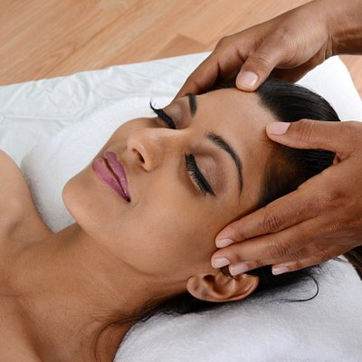 Waxing and sanitation should go hand in hand. Your skin is the largest organ on your body. Make time to take of your skin. Book Now www.LuxuryLotusSpa.com/BookNow