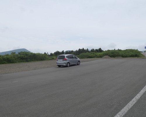 御釜に向かう有料道路「蔵王ハイライン」の少し手前の蔵王エコーライン沿いに大黒天駐車場があります。