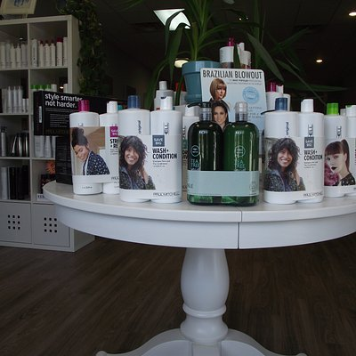 NH - KINGSTON - REVITALIZE SALON & SPA - PRODUCTS ON DISPLAY