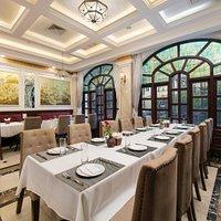 the V'restaurant