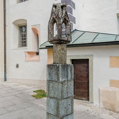 Gotycka latarnia morska na wyspie Bled