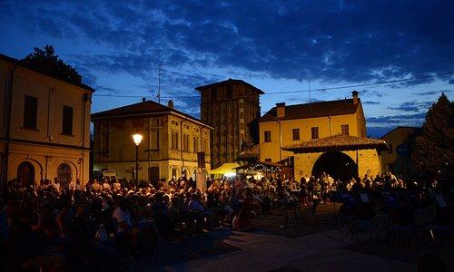 Gonzaga, Piazza Castello