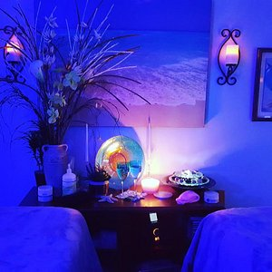 We offer the area's best couple massage, deep tissue, Traveler's Delight session, hot stone therapy, prenatal, and Swedish/relaxation massage.  Service list at https://ohiosbestmassage.com/services