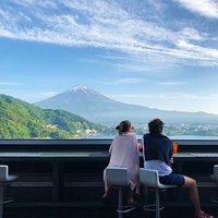 河口湖で一番高い位置にあるバー Moon Dance is a bar located at the highest place in Kawaguchiko.